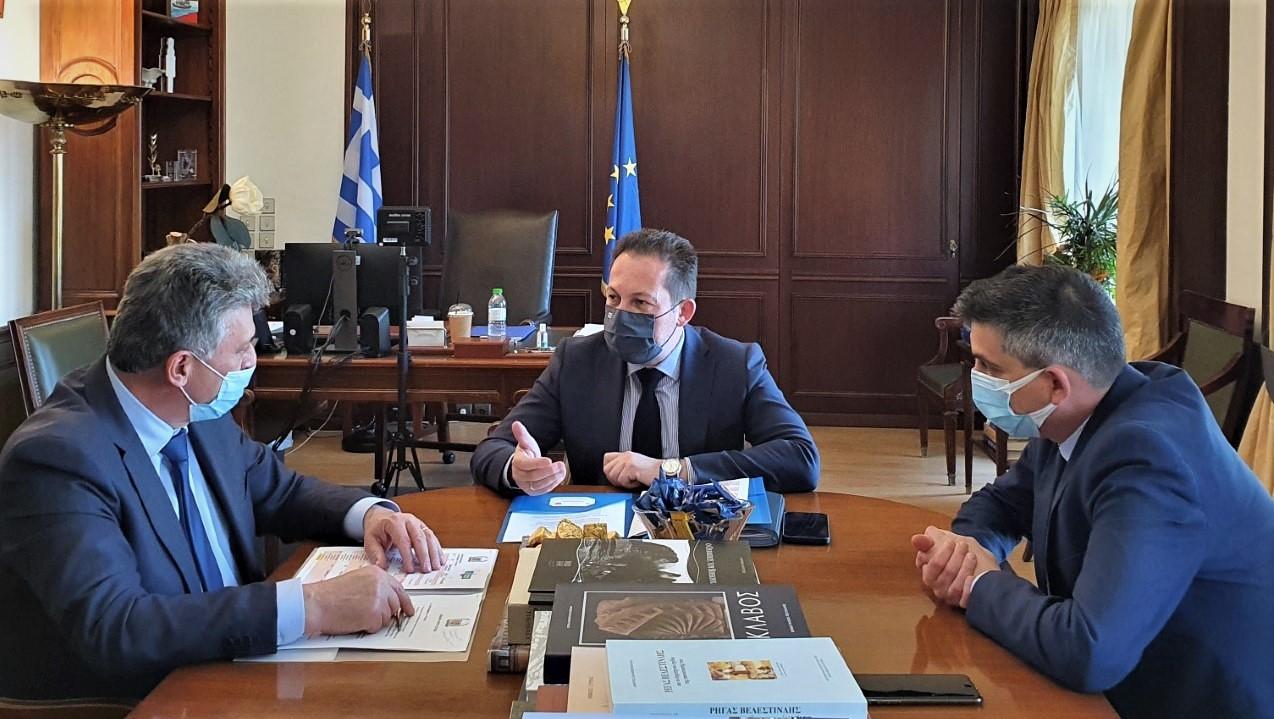 Συνάντηση εργασίας με τον αναπληρωτή υπουργό Εσωτερικών κ Στέλιο Πέτσα και τον υφυπουργό ανάπτυξης κ Χρίστο Δήμα με θέμα τα έργα από το πρόγραμμα «Αντώνης Τρίτσης»!